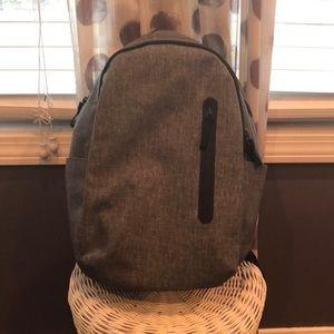 NWOT Everlane commuter backpack light grey